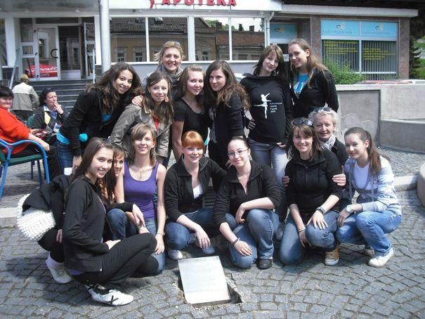 6.Reise nach Travnik  Meilensteinverlegung