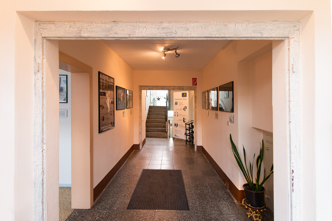 Eingang und Treppenaufgang